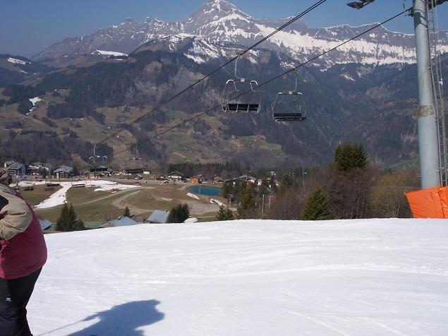 Avec le Mont Charvin en arrière plan